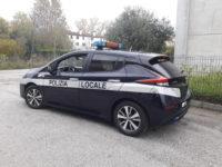 nissan leaf elettrica polizia locale
